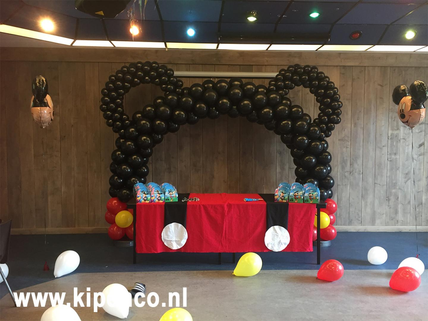 mickey mouse ballon boog tafel